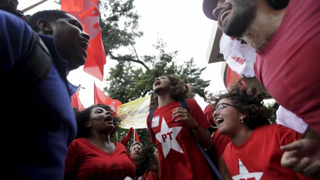"""""""Eles deram um tiro no pé"""", diz Lindberg  sobre ação da PF contra Lula"""