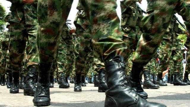 Militares se tornam novos integrantes da crise política, diz colunista