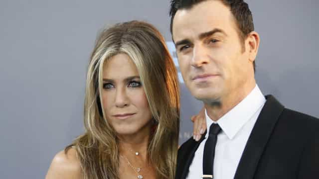 Jennifer Aniston e ex-marido chegam a acordo sobre custódia dos cães