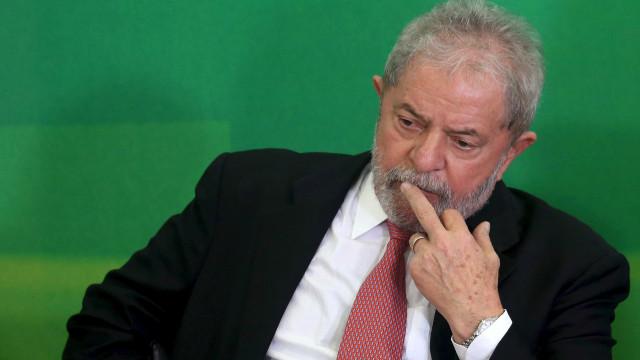 Lula se irrita com articulação entre petistas e PSOL