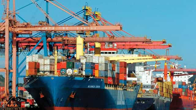 Superávit da balança comercial brasileira recua em 2019