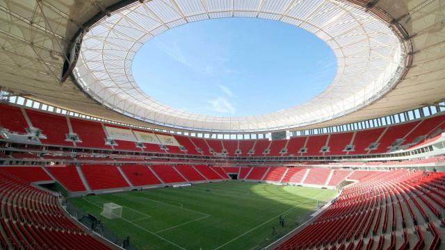Vice do Flamengo e auxiliar do Palmeiras trocaram socos no Mané Garrincha
