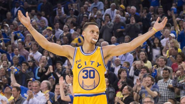Curry se torna o 1º jogador eleito o melhor da NBA de forma unânime