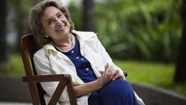 Eva Wilma é diagnosticada com câncer no ovário e segue internada