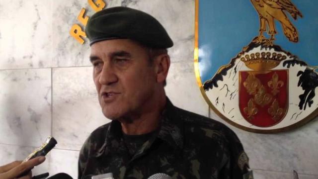 Villas Bôas reage a Olavo e expõe tensão dos militares