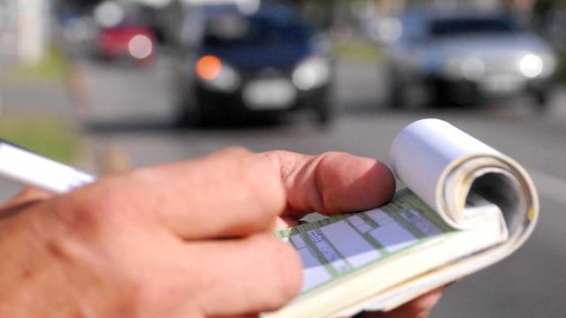 Homem é multado por dirigir a 790km/h no DF