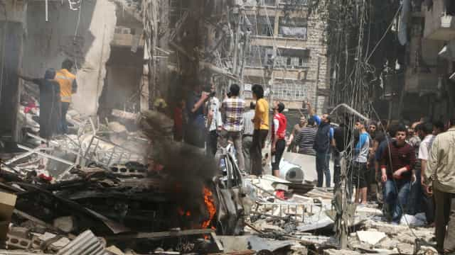 Russos matam 31 civis no leste da Síria