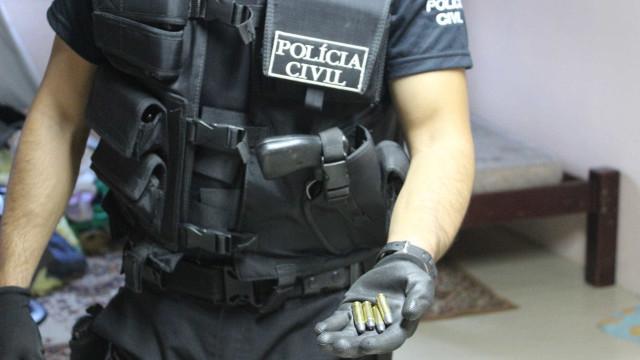 Operação busca acusados de tráfico de drogas na Região dos Lagos