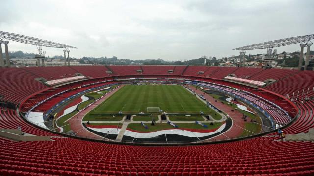 Sob forte pressão, São Paulo recebe o Coritiba para vencer a primeira neste ano
