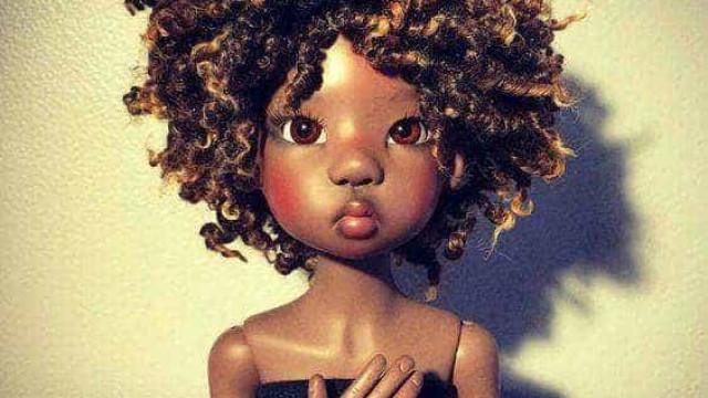 Apenas 3% das bonecas vendidas são negras, aponta levantamento