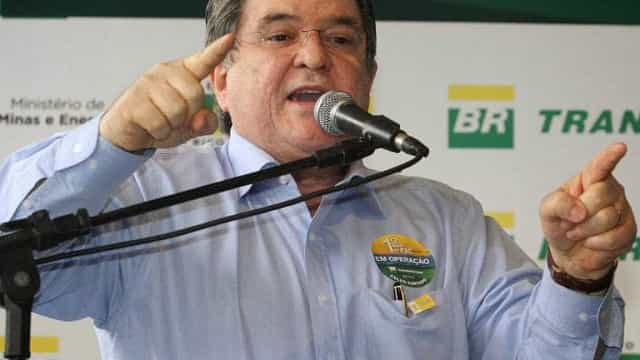Sérgio Machado, livre, vive sua 'prisão domiciliar'