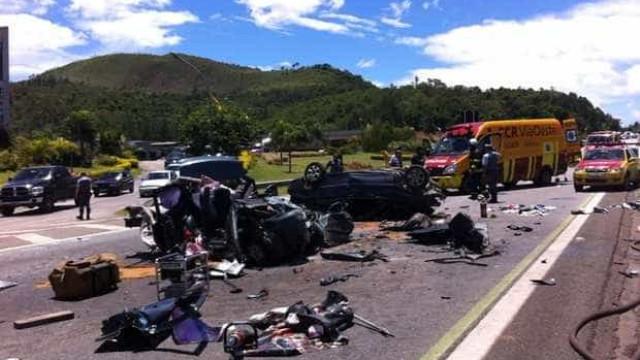 Acidente com ônibus no Espírito Santo mata quatro pessoas