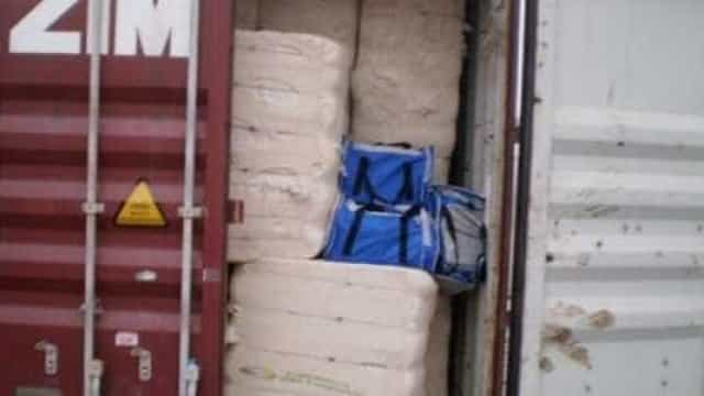 Receita pega no Porto de Santos mais de meia tonelada de cocaína