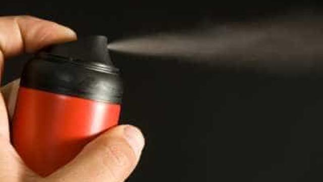 Guarda de SP testa spray de pimenta nos olhos de próprios agentes