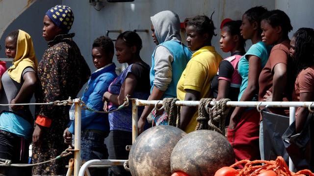 Grécia quer reenviar 10 mil migrantes para a Turquia até final de 2020