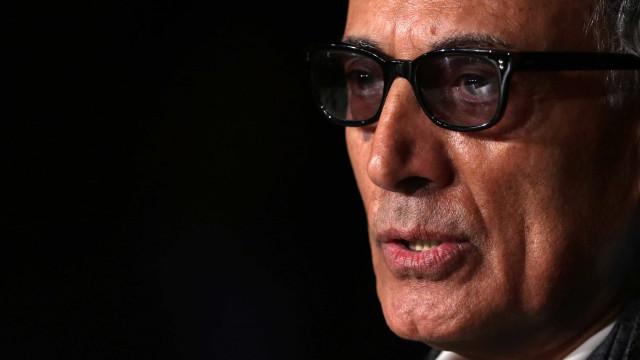 Abbas Kiarostami nos empresta outros olhos em seu livro de poesia