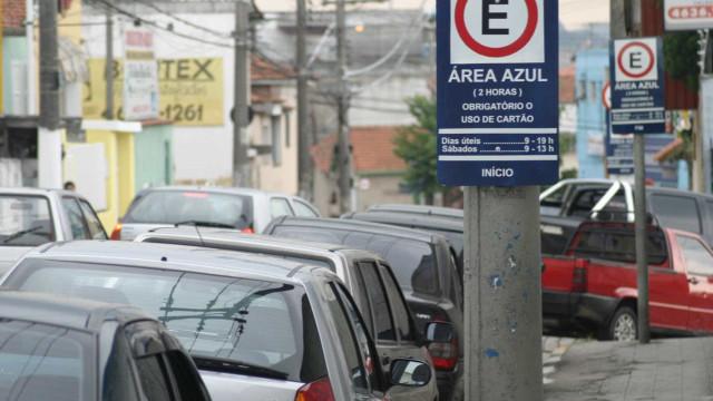 CET testa carro que multa veículos parados na Zona Azul sem cartão