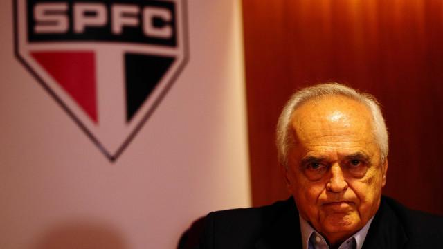 Internado com covid-19, presidente do São Paulo tem melhora e deixa UTI