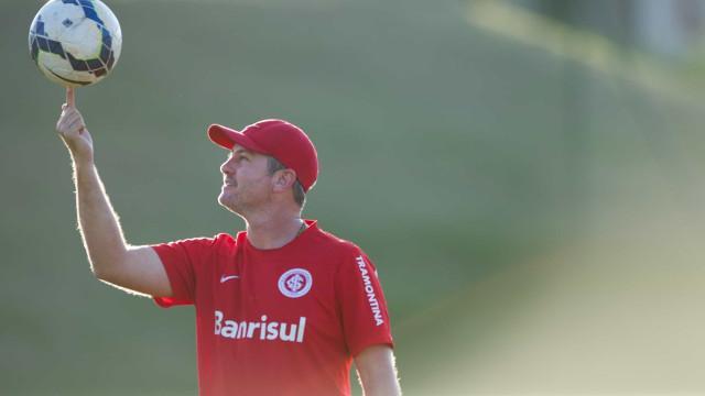 Odair fecha treino em Curitiba e faz mistério para a estreia do Inter