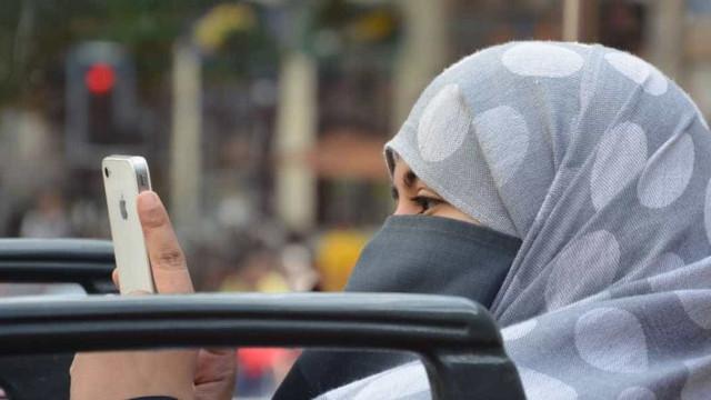 Tribunal europeu decide que empresas podem proibir uso do véu islâmico por funcionários