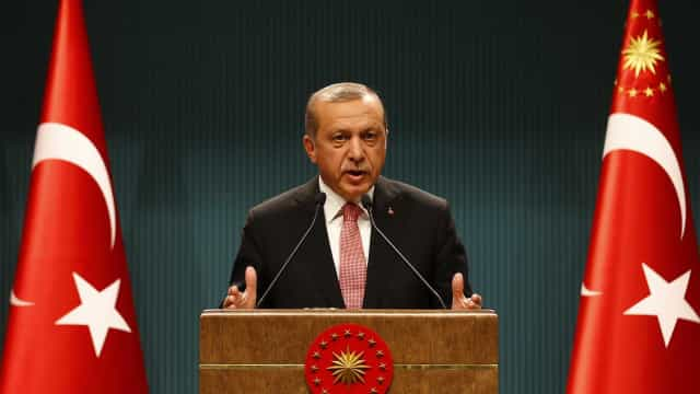 """Erdogan fala em """"decisão histórica"""" e pede """"respeito pelo resultado"""""""
