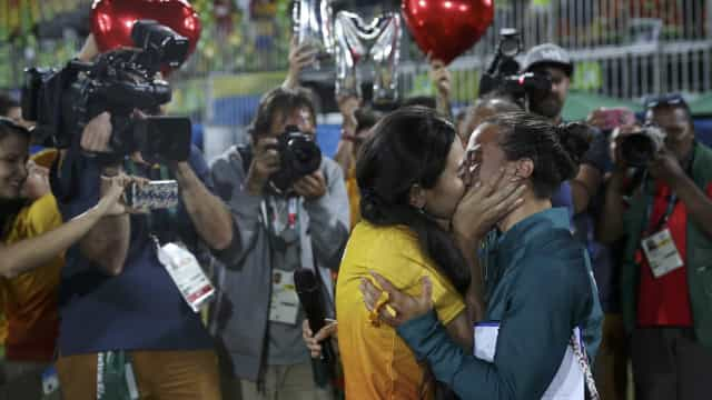 Conheça os casais gays da Rio-2016