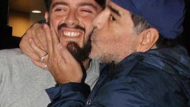 Filho de Maradona luta contra a Covid-19 e não vai ao velório