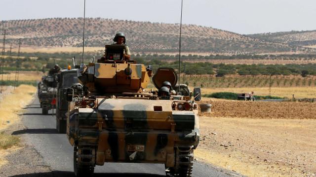 Síria: Militares sírios e turcos em confrontos na fronteira