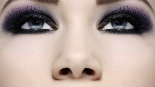 Olhos esfumados valorizam o olhar; aprenda a fazer!