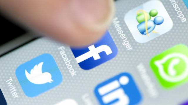 Facebook e Twitter fecham milhares de contas por 'comportamento falso'