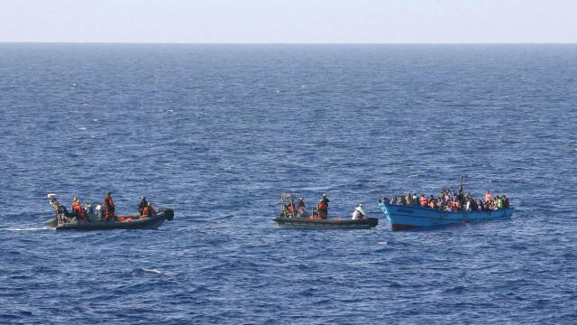 Vice-premier nega desembarque de 300 imigrantes na Itália