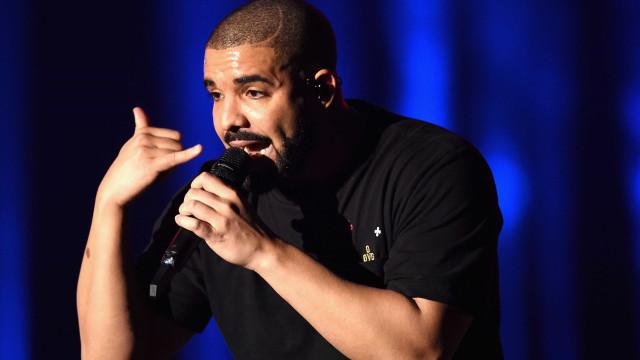 Drake atinge patamar histórico no Spotify