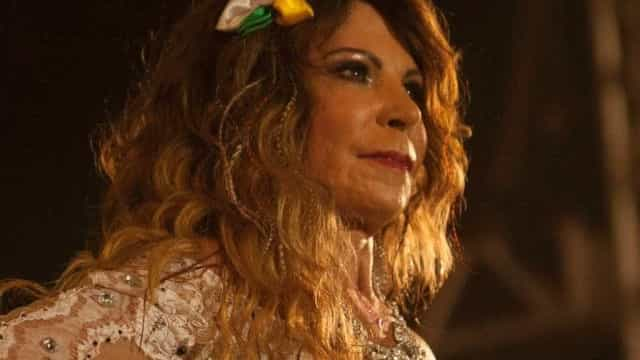 Elba Ramalho vai processar quem deu festa para 700 pessoas em sua casa em Trancoso