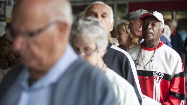 Lares dependentes da renda de aposentados cresceram 12% em um ano