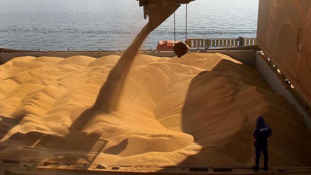Brasil vai ultrapassar os EUA  como líder na produção de soja
