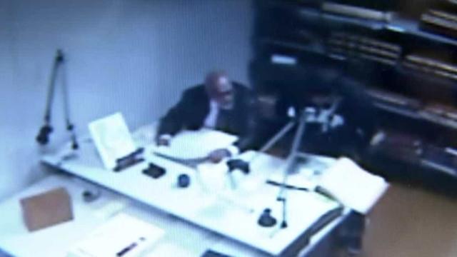 Ladrões especializados em roubar livros raros são presos pela polícia