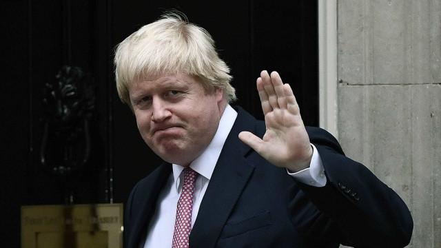 Boris Johnson recebeu oxigênio, não foi intubado e continua na UTI