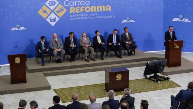Com R$ 500 milhões, Temer lança Cartão Reforma
