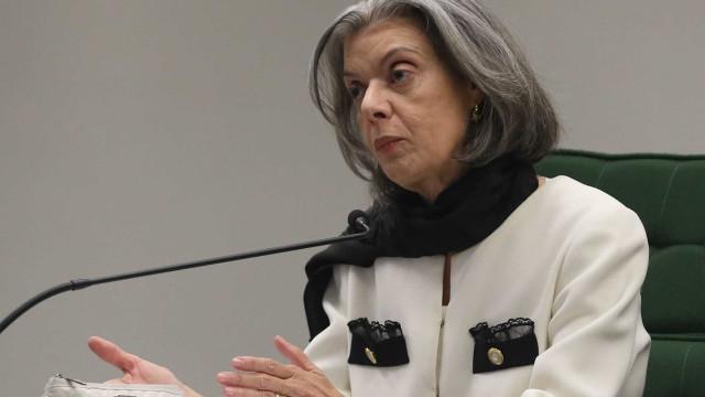 """Cármen Lúcia sugere enterrar o Brasil do """"'sabe com quem está falando?"""""""