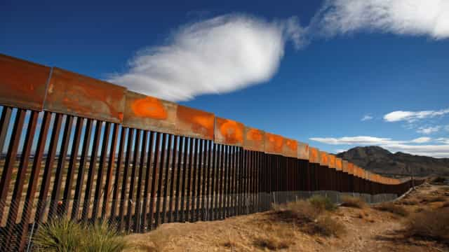 Juiz barra ação contra muro de Trump na fronteira