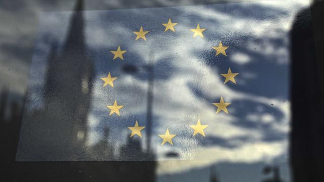 Comissão Europeia irá adotar novas regras para bancos estrangeiros