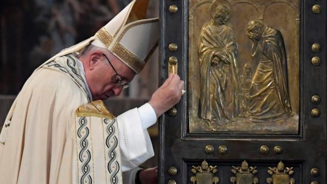 Papa escolhe 'Maria' como tema para próximas JMJ