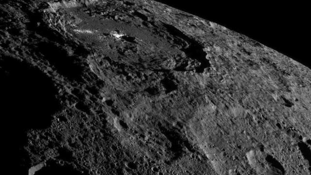 NASA revela 'desenhos' misteriosos  na superfície de Ceres
