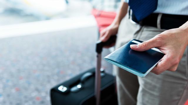 Empresas dão férias coletivas a funcionários
