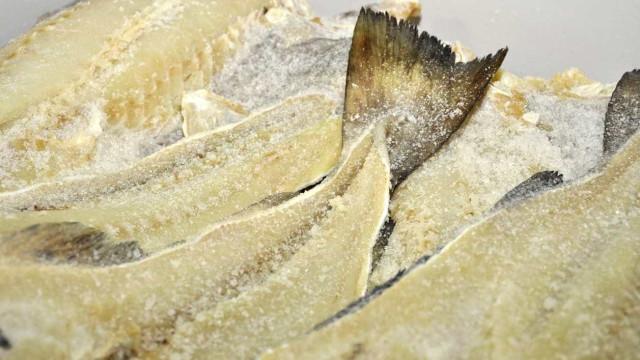 Amostra do coronavírus é encontrada em embalagem de bacalhau na China