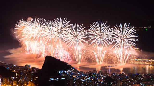 Crivella proíbe fogos de artifício com som acima de 85 decibéis