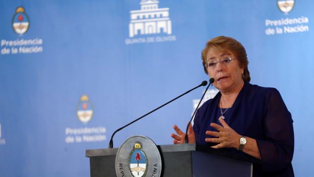 """Bachelet envia mensagem de """"força e ânimo""""  para chilenos após sismo"""