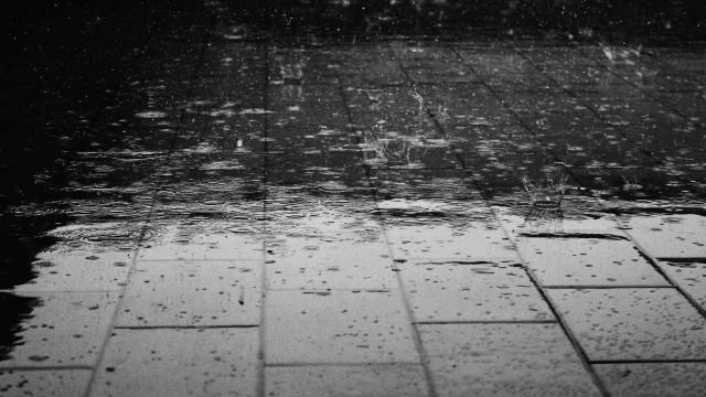 Chuva causa estrago e desaloja famílias em 10 cidades do interior