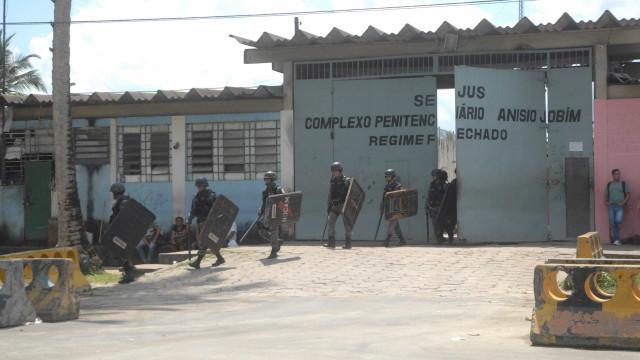 Rebelião em presídio de Manaus deixa 15 mortos