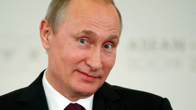 Inteligência dos EUA diz que  'trolls' russos interviram nas eleições